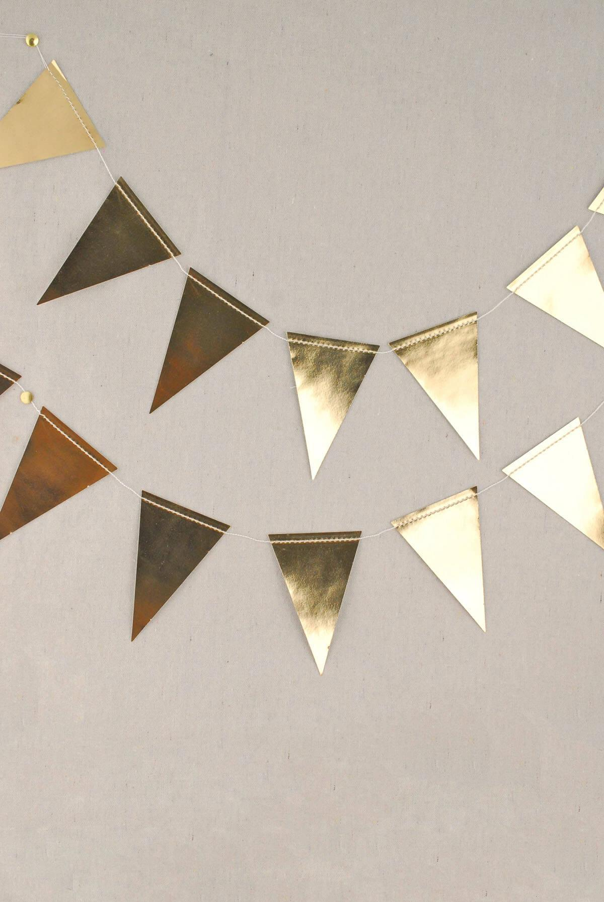 gold foil mini pennant banner 8 my minds eye