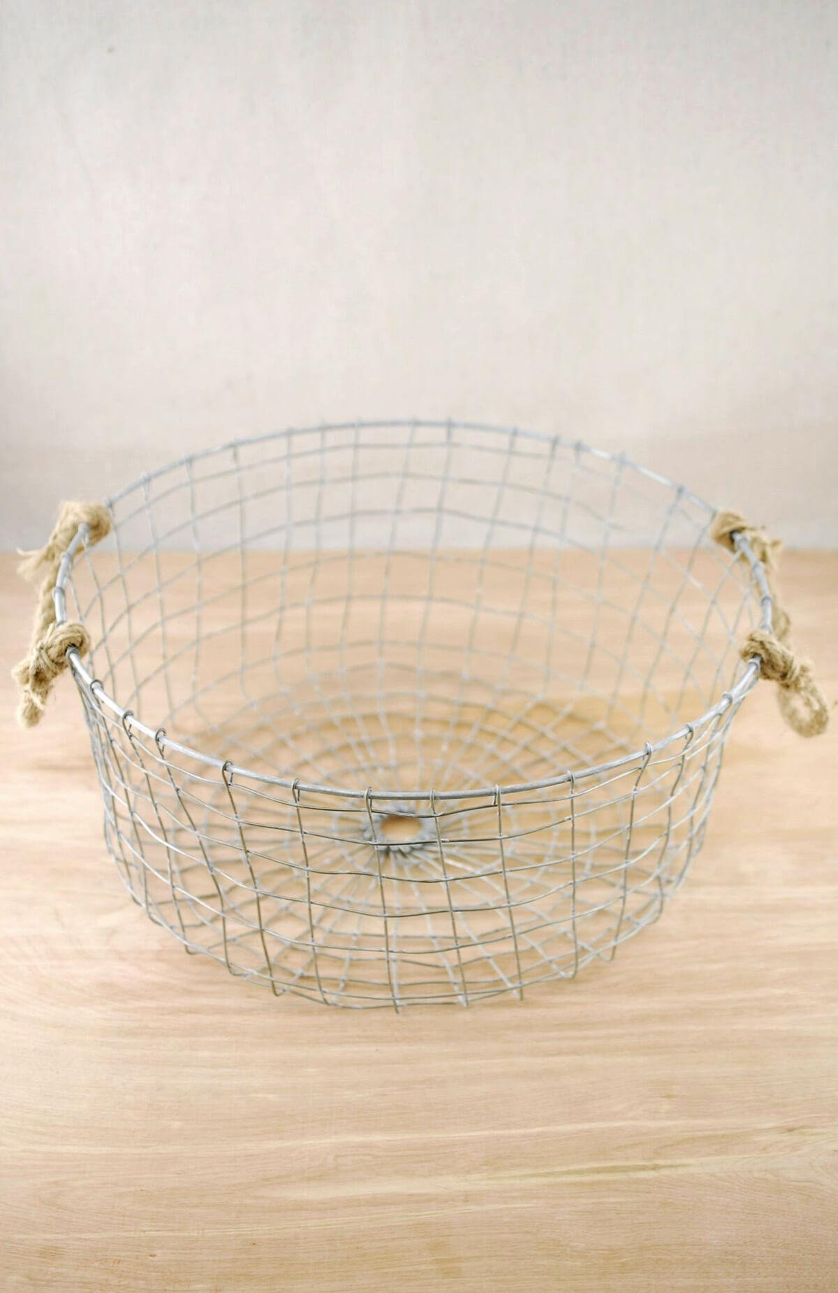 Farmhouse Wire Basket with Rope Handles 14""