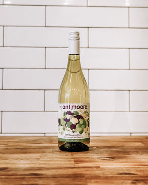 Load image into Gallery viewer, Sauvignon Blanc by Ant Moore