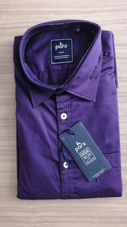 Parx Men Purple Slim Fit Solid Casual Shirt.