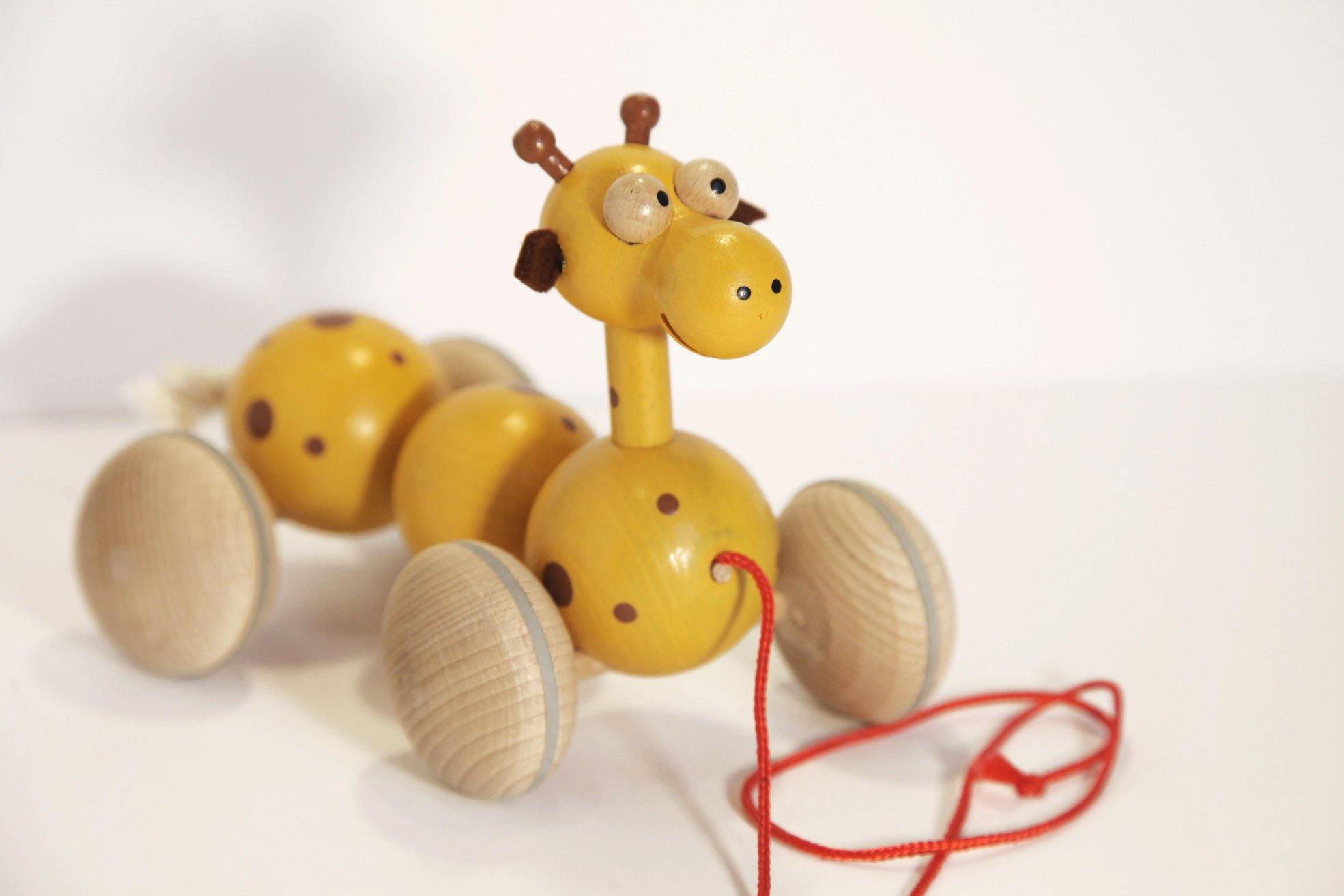 Wooden Giraffe Pull Along made by U+Me