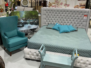 Hollywood Tufted Bed