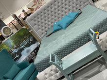Load image into Gallery viewer, Hollywood Tufted Bed