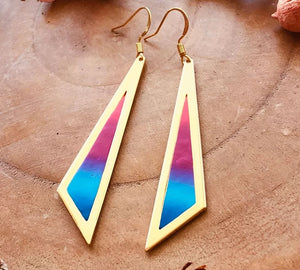 Triangle Story Earrings (Blue/Magenta Ombre)