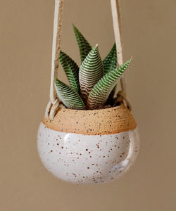 Mini Hanging Planter (Tan + White Speckles)