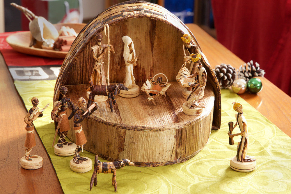 Swahili Banana Fiber Nativity Scene in Rounded Box  - 4
