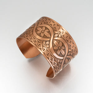 Solid Copper Cuff - Flower Design - UrbanroseNYC