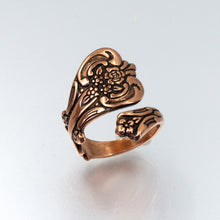 Load image into Gallery viewer, Solid Copper Spoon Ring - Floral Design - UrbanroseNYC