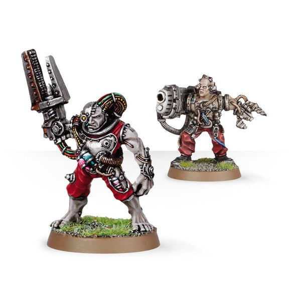Warhammer 40K: Space Marine Servitors with Plasma Cannon