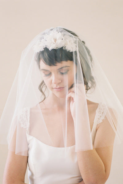 Shoulder Length Circle Veil #711V