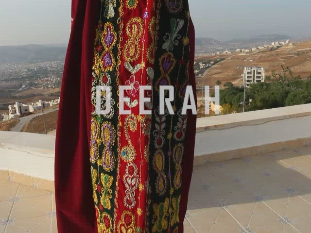 Malaka - Hand Embroidered Tahreera Palestinian Dress Thobe