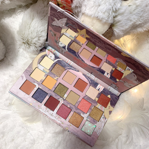 18-color eyeshadow palette - showemakeup