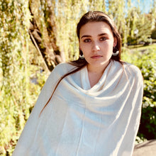 Load image into Gallery viewer, Cashmere Poncho - Cream
