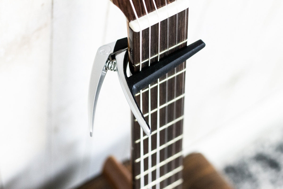 G7th Capo Nashville Classical Silver