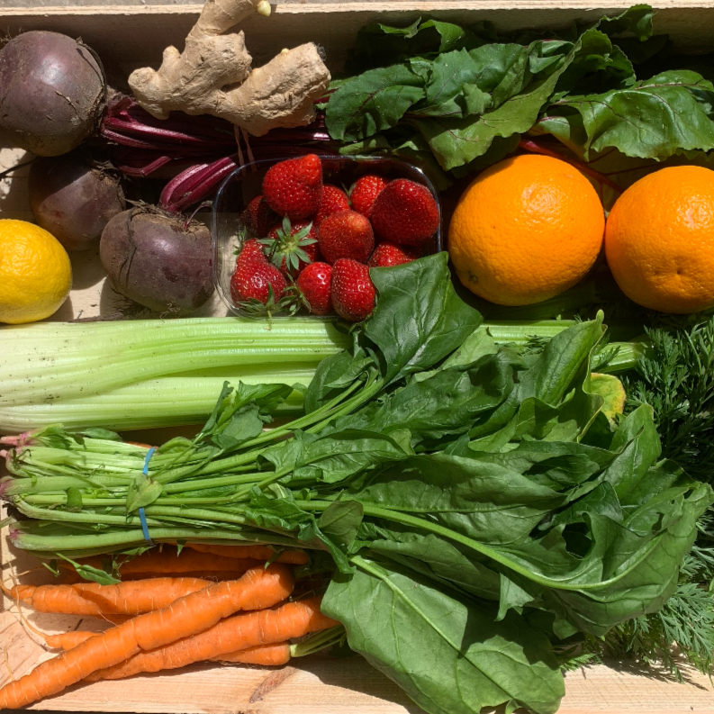Juicing box - Cherries & Carrot Tops