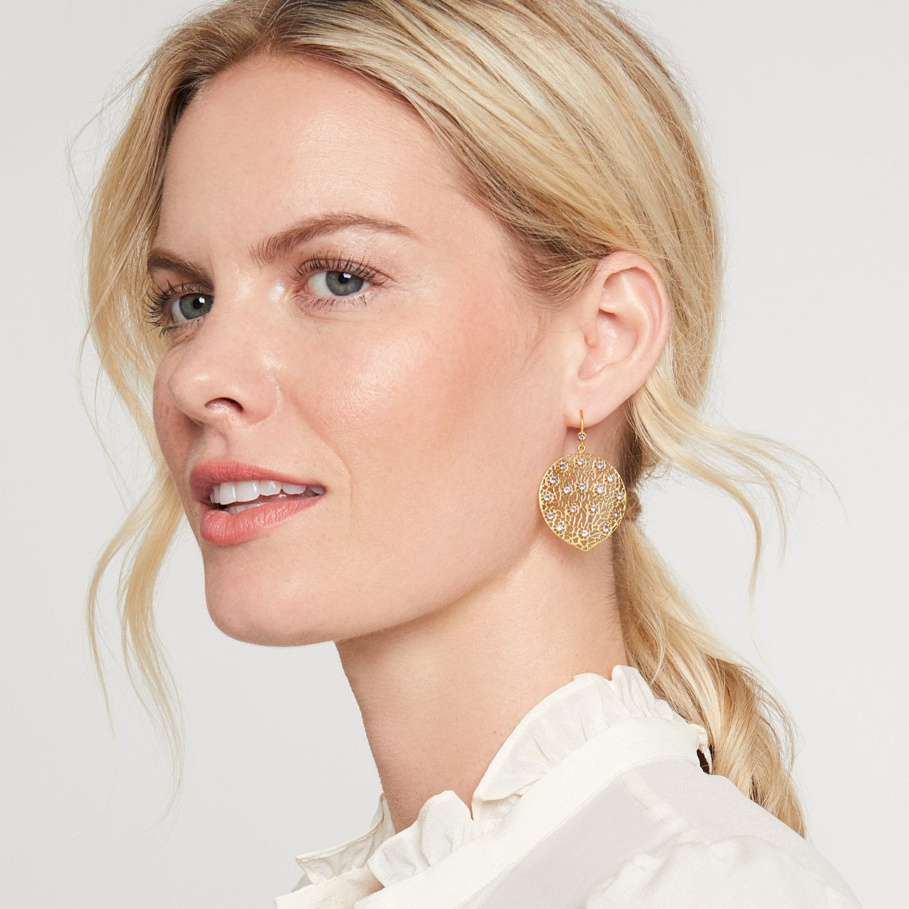 Julie Vos - Peacock Earring Gold Pearl