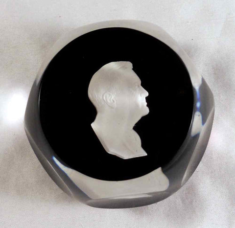 1967 Cr. D' Albert France Paperweight Sulphide FD Roosevelt Cameo 6 &1 Faceting