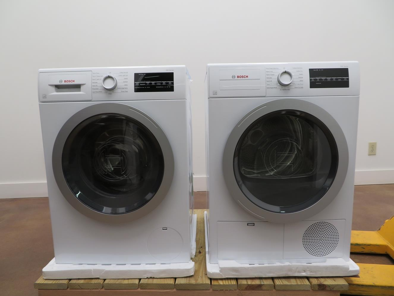 "Bosch 500 Series 24"" Front Load Washer and Dryer WAT28401UC / WTG86401UC Images (5) - ALSurplus AL"