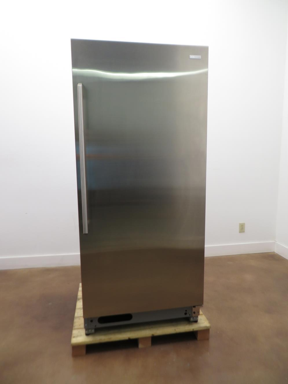 ELECTROLUX EI32AR80QS 32 Inch 18.6 cu. ft. Capacity Full Refrigerator Stainless - ALSurplus AL