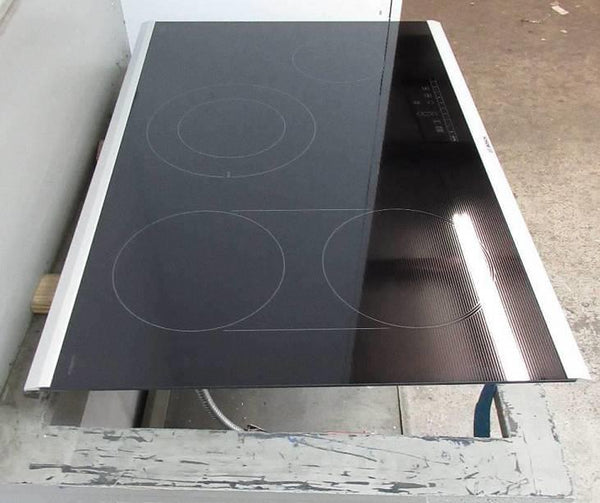 "Bosch 800 Serie 30"" 4 Burner Dual Elements ChildLock Electric Cooktop NET8068SUC"