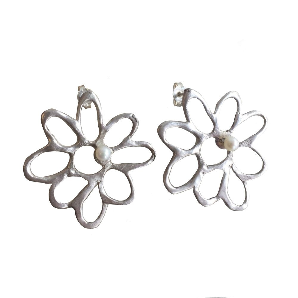 Small Daisy Earrings with Pearls