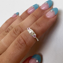 Load image into Gallery viewer, Princess Ring with Sapphires