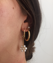 Load image into Gallery viewer, Daisy Chain Earrings - Gold