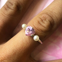 Load image into Gallery viewer, Heart and Pearl Ring