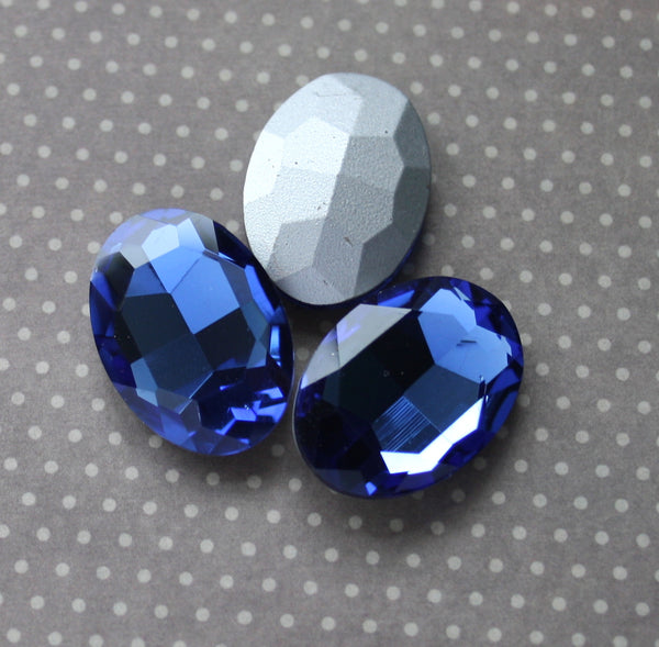 Faceted Glass Cabochons Dark Blue Pack of 2
