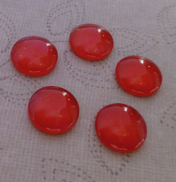 Pack of 20 Mini Glass 10 mm Cabochons Red