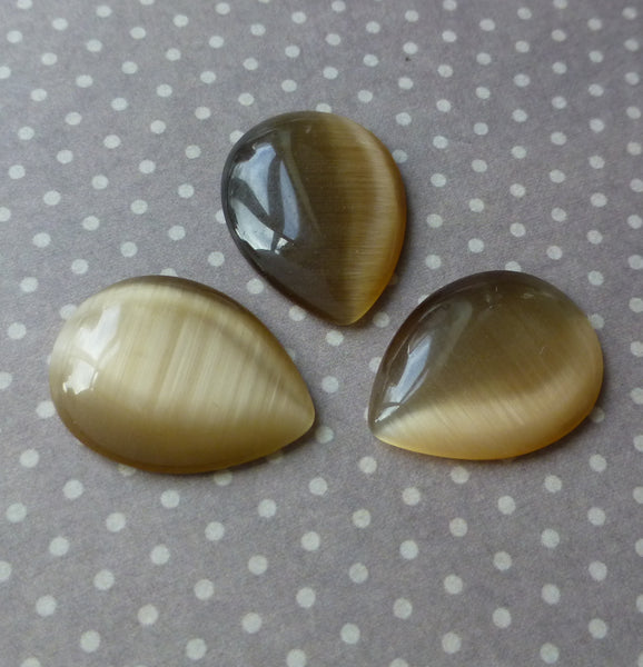 Cats Eye Cabochon Brown Pack of 8