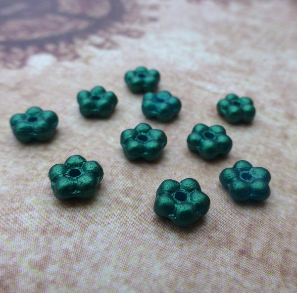 Forget Me Not Flower Beads Dark Green Gold Shine 120 Beads