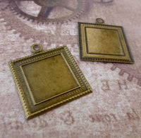 Antique Bronze Thin Frame Setting Pack of 20