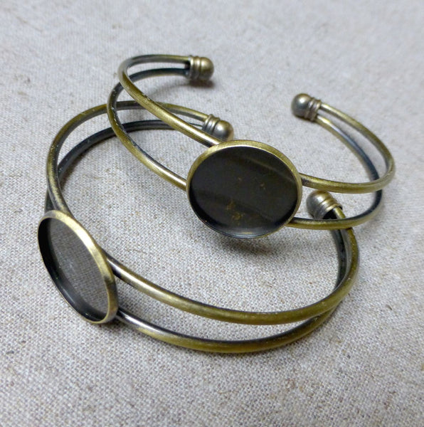 Pack of 2 - Antique Bronze Bracelet Component with Base