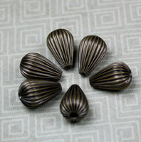 Pack of 20 - Corrugated Teardrop Beads