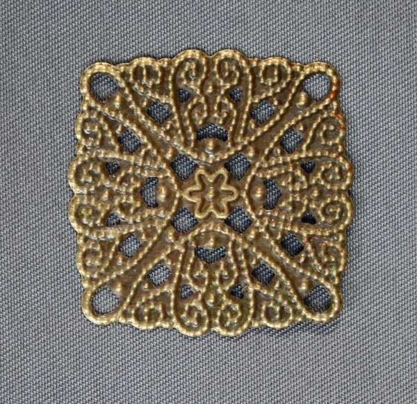 Pack of 20 - Thin Slice Square Filigree