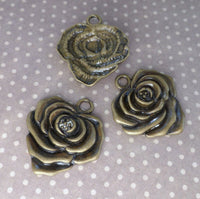 Pack of 5 - Antique Bronze Charm Rose