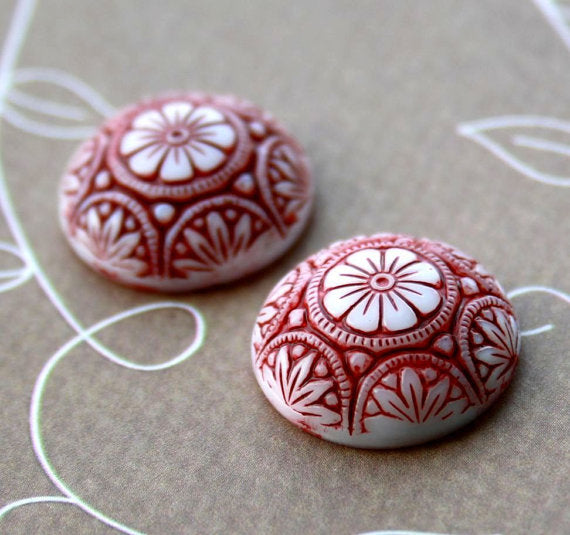 Glass Preciosa Red Cabochon 18mm Pack of 2