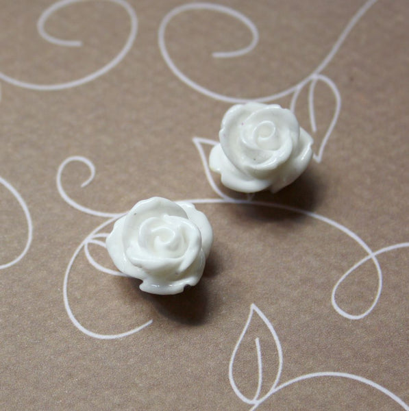 White Resin Flower Cabochon 12 mm Pack of 10