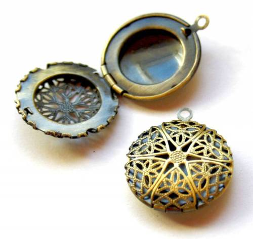Pack of 5 - Solid Antique Bronze Locket - Small Size