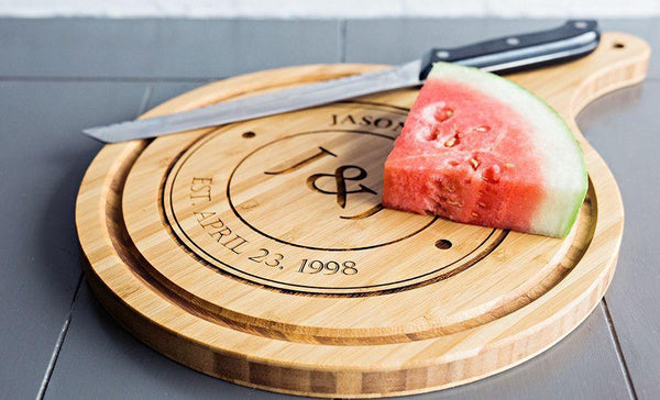 Customized Large Handled Round Cutting Board with Juice Grooves