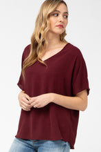 Load image into Gallery viewer, Entro Basics V-Neck Top