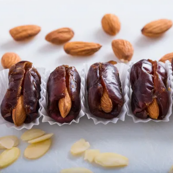 Premium Dates with Almonds