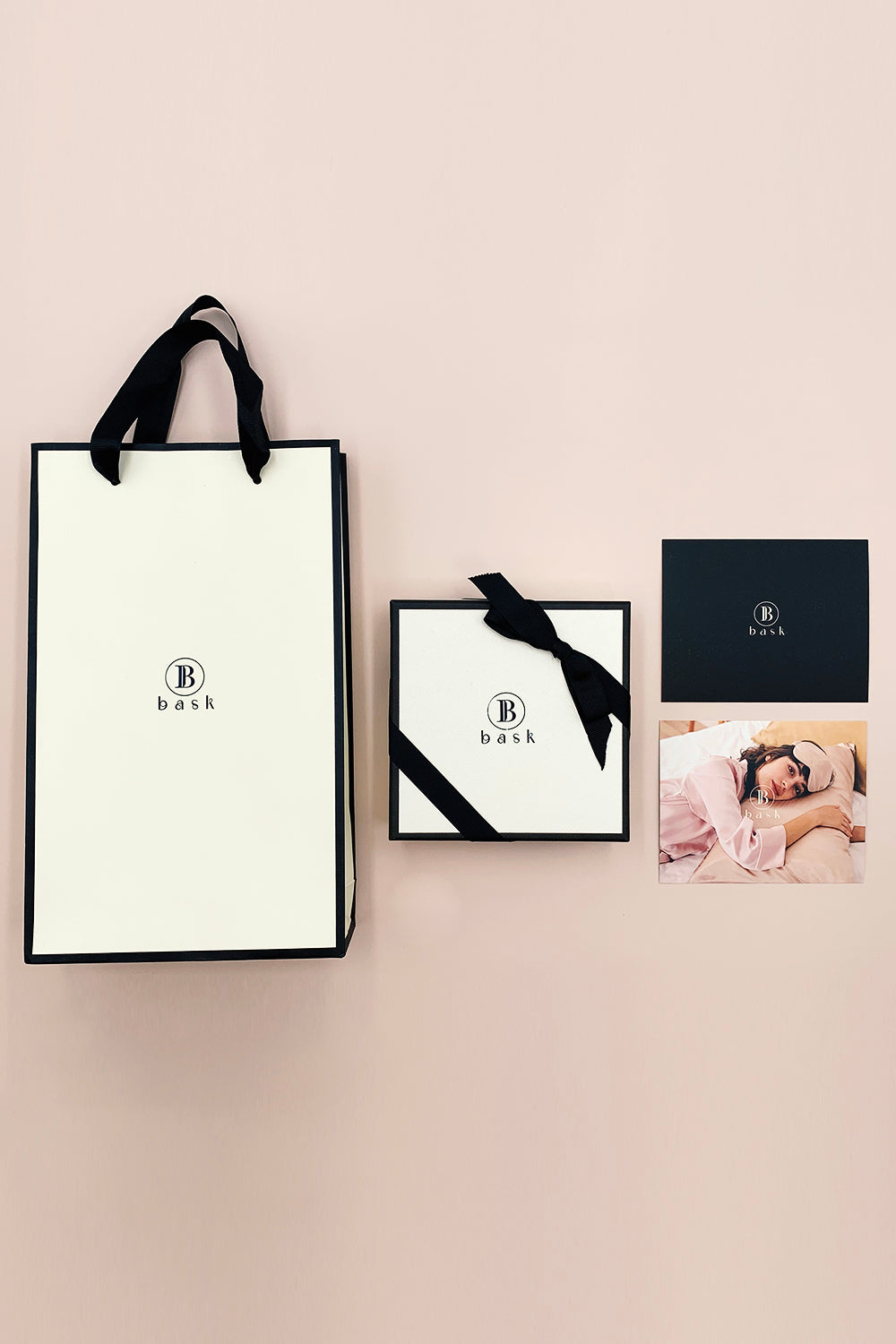 Complimentary Gift Wrap and Paper Bag (Limited Time Only)