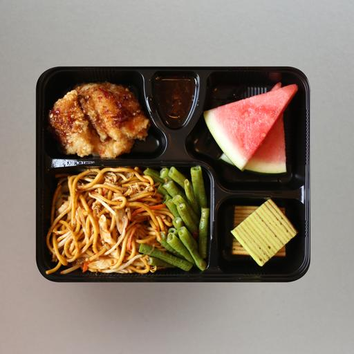 Mee Goreng, Fried Fish & Broccoli Bento Set