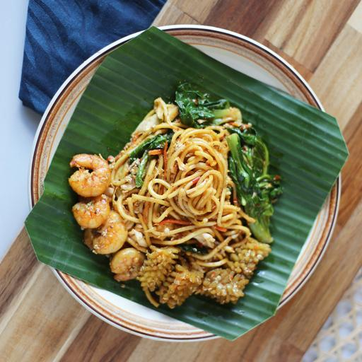 Traditional Seafood Fried Noodles Indonesian Style (Mee Goreng Makanan Laut)