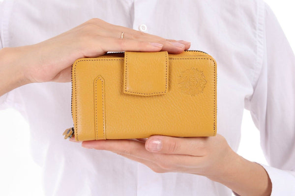 471 - Leather wallet - yellow