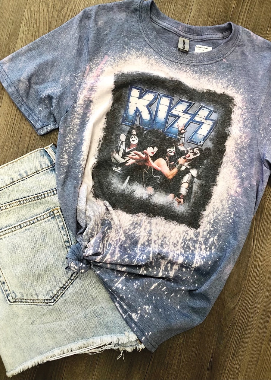 Acid Wash Kiss T-shirt