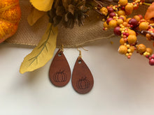 Load image into Gallery viewer, Pumpkin Earrings