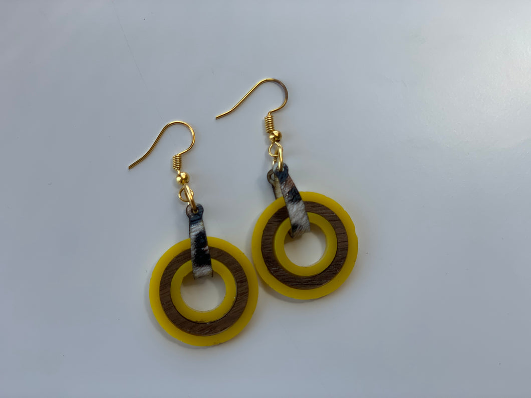 Yellow Mini Nested Shape Circle Earrings